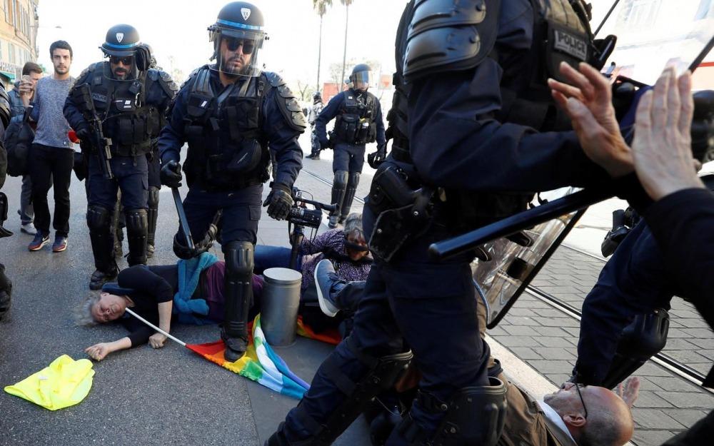 Geneviève Legay renversée par la police à Nice