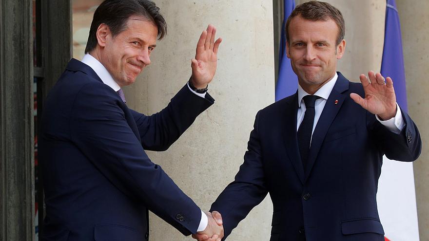 Macron et Conte devant l'Elysée