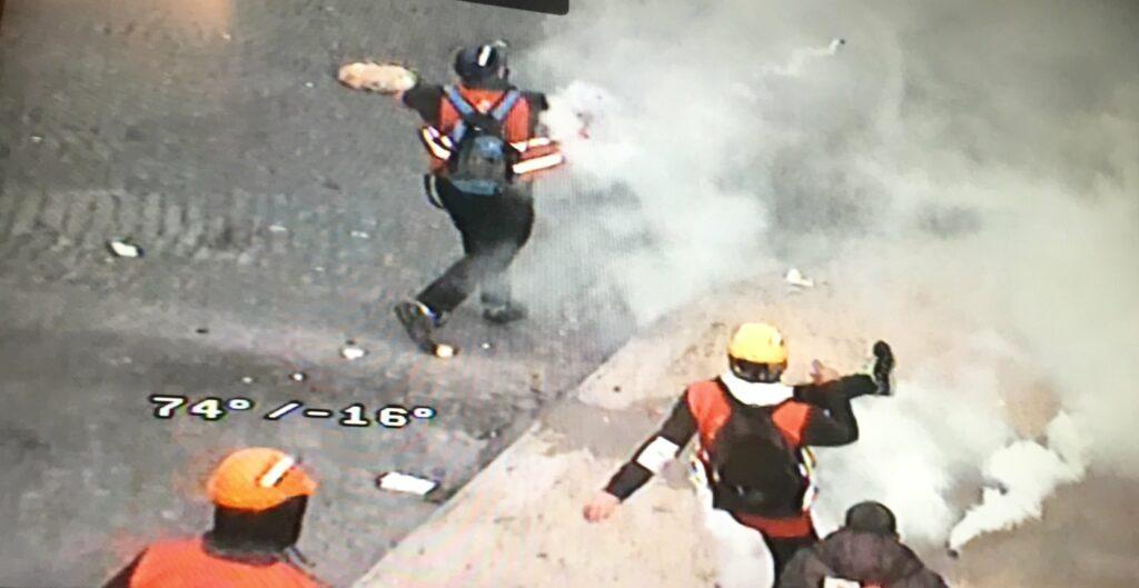 Militants CGT affrontent la police