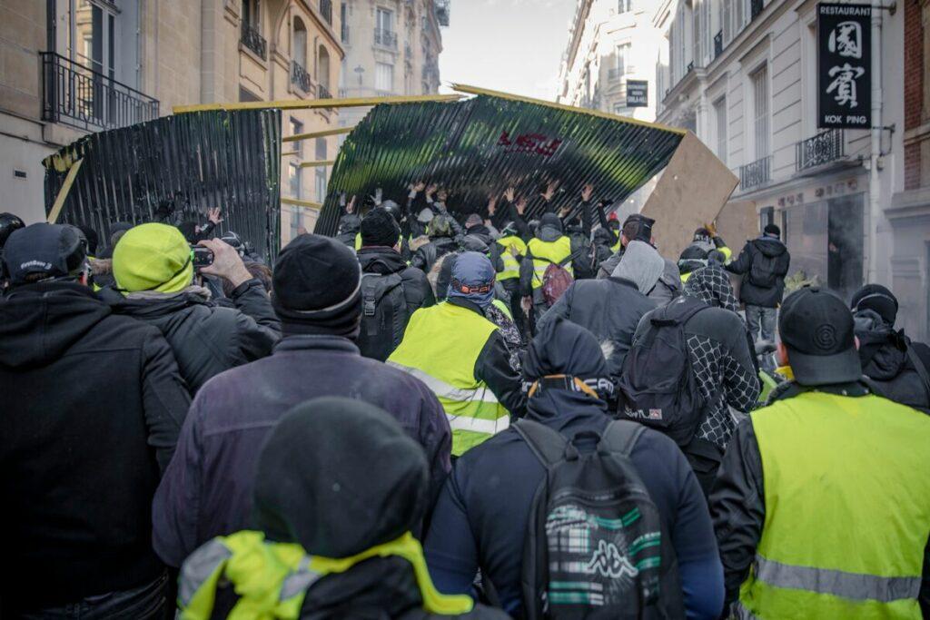 Sur les Gilets Jaunes, l'État et le fascisme – lettre d'Antonin Bernanos