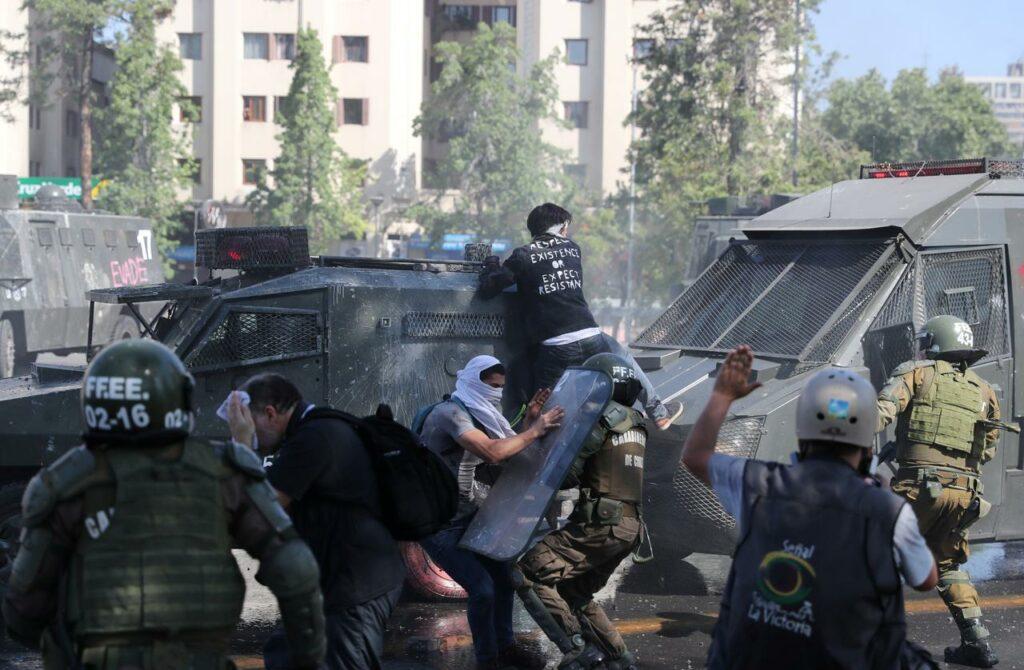« Ils nous ont tant volé qu'ils nous ont même dérobé notre peur » : insurrection populaire au Chili