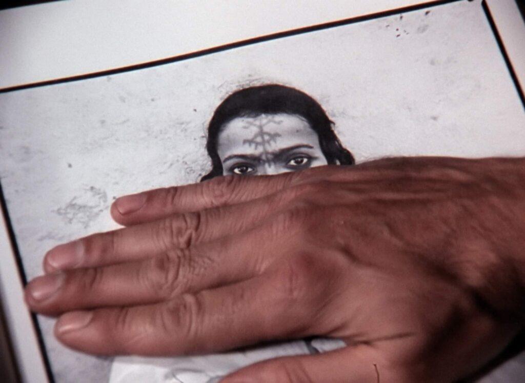 Frantz Fanon : L'Algérie se dévoile