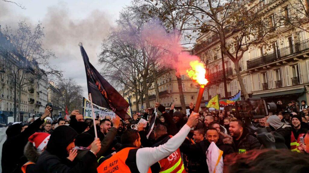 Autonomie et mouvement de masse