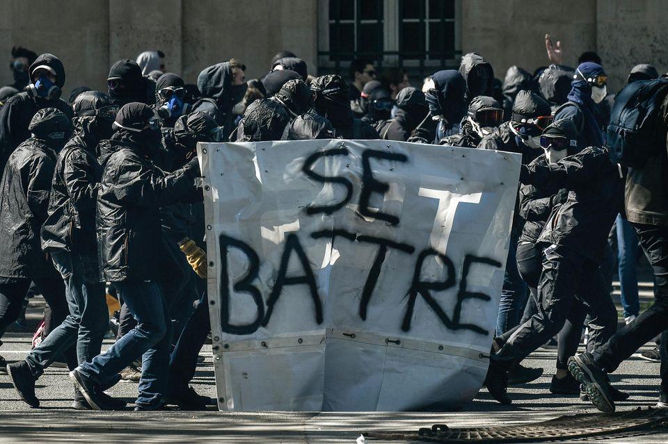 Alain Badiou : « Il faut briser le droit bourgeois »