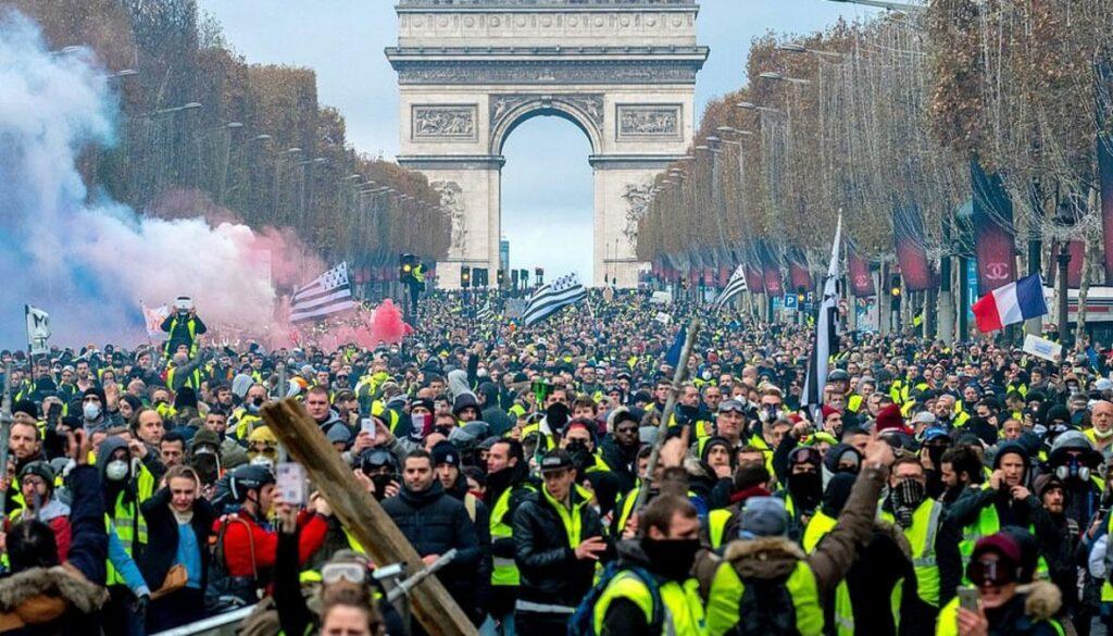 Le 14 mars : rallumer l'étincelle, reprendre les Champs-Élysées