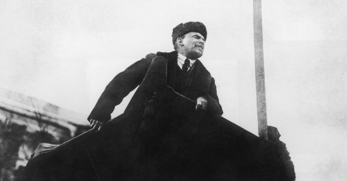 Lénine : Sur l'ascension des hautes montagnes