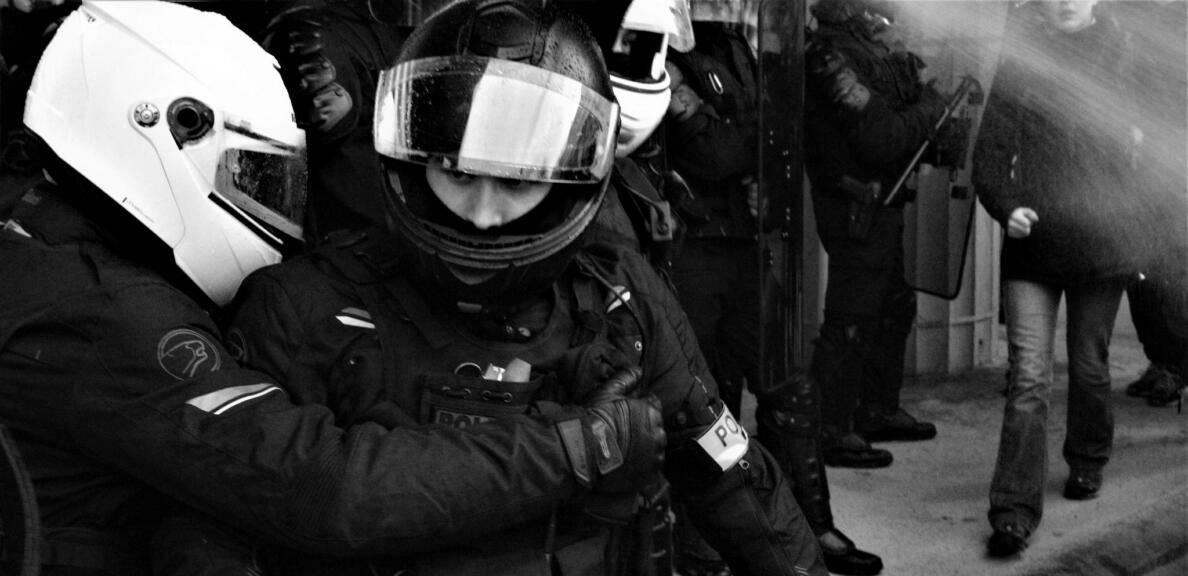 Loi sécurité globale : surveiller et punir