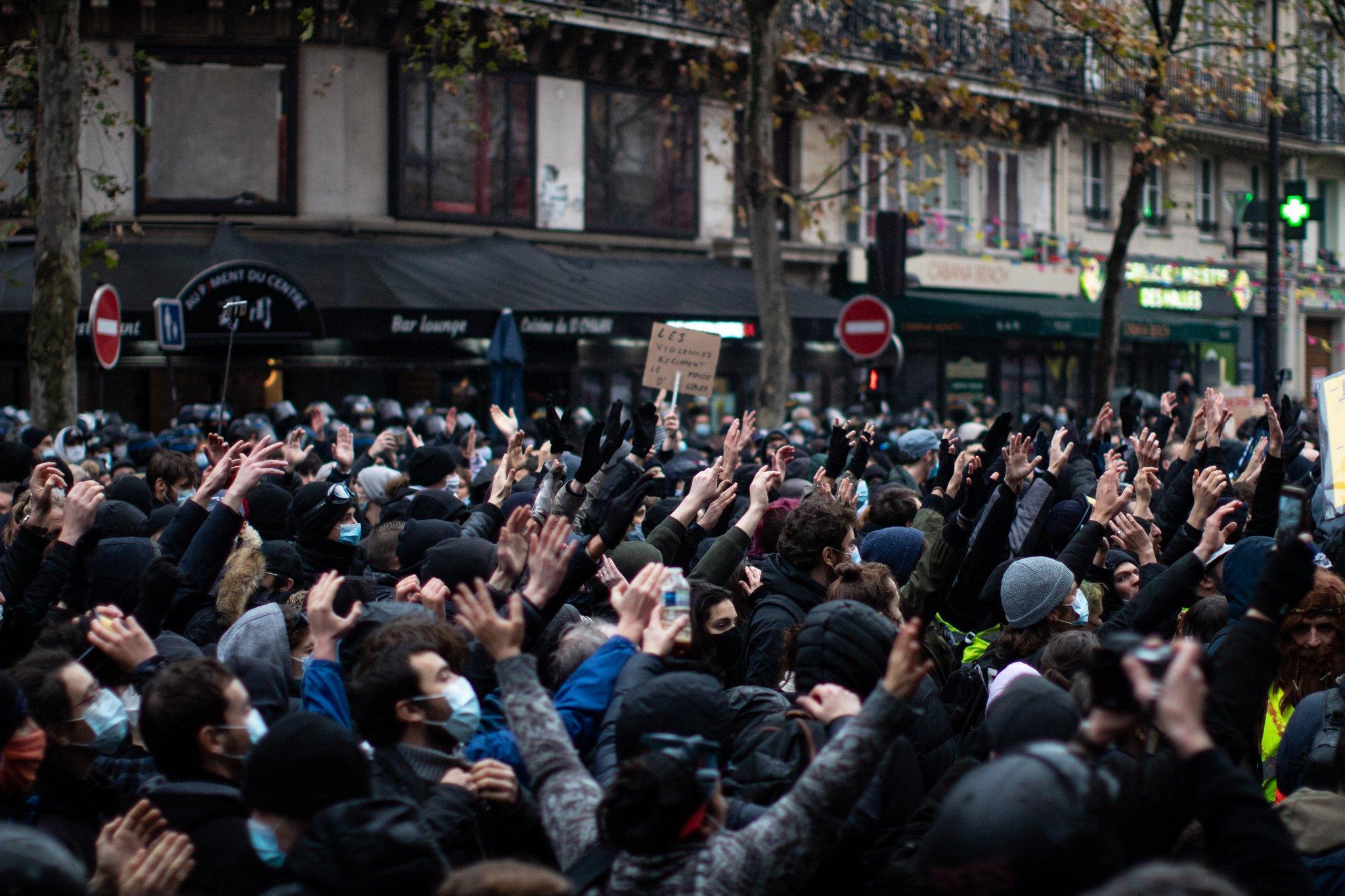 Défouloir répressif contre la Marche des Libertés à Paris