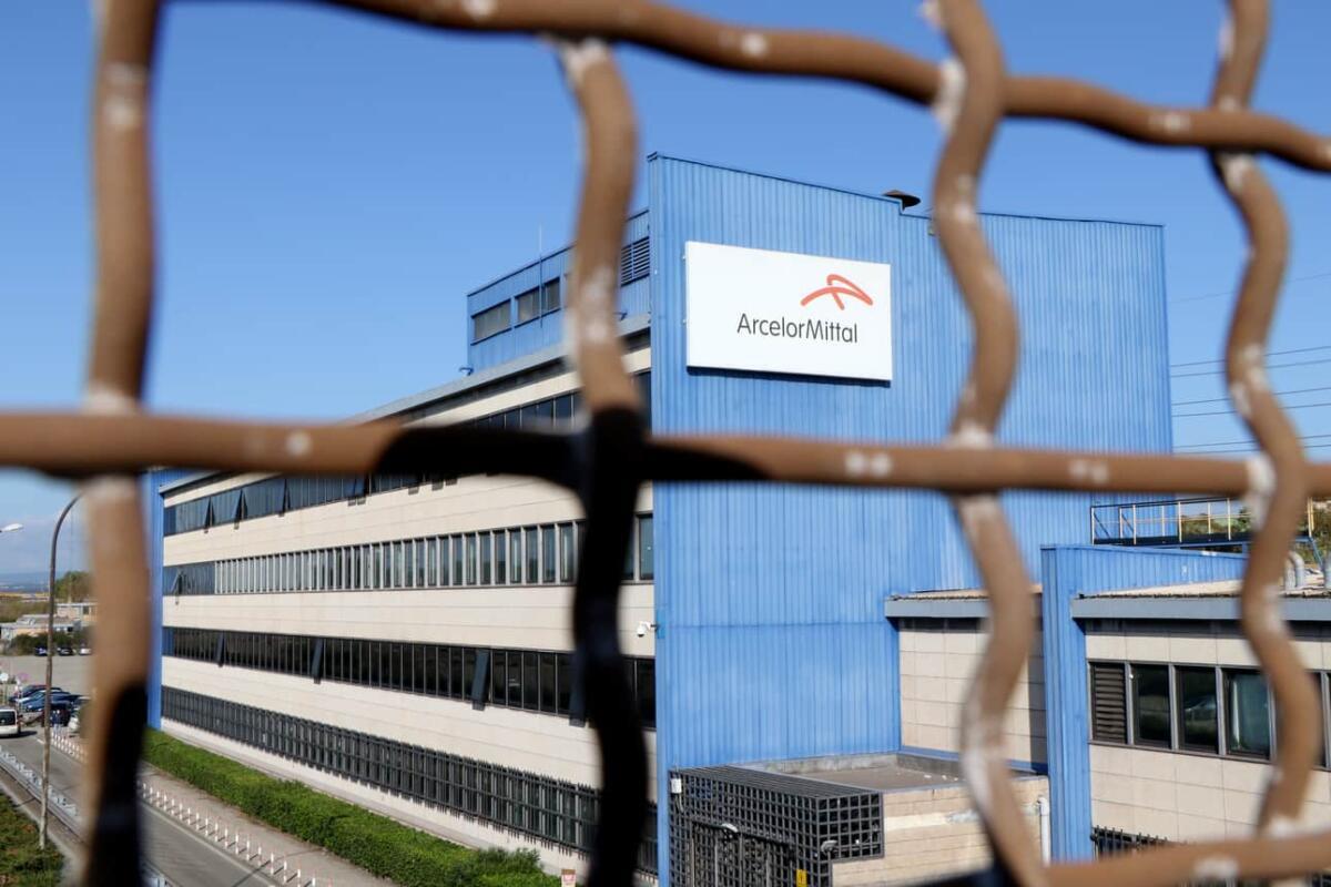 Italie : Licencié par ArcelorMittal pour avoir partagé un post sur une série télé
