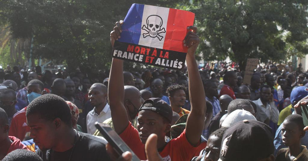 Saïd Bouamama : Crise de l'impérialisme français en Afrique et processus de fascisation dans l'hexagone
