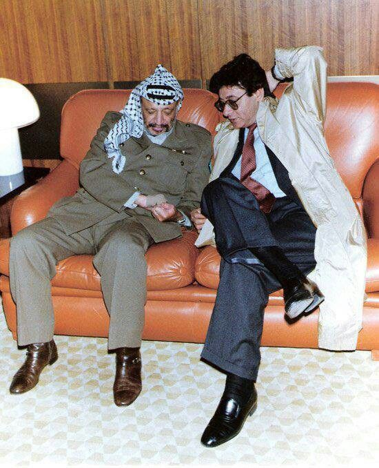 Lire Mahmoud Darwich